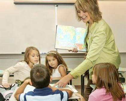 Характеристика на учителя: как правильно составить, образцы и примеры