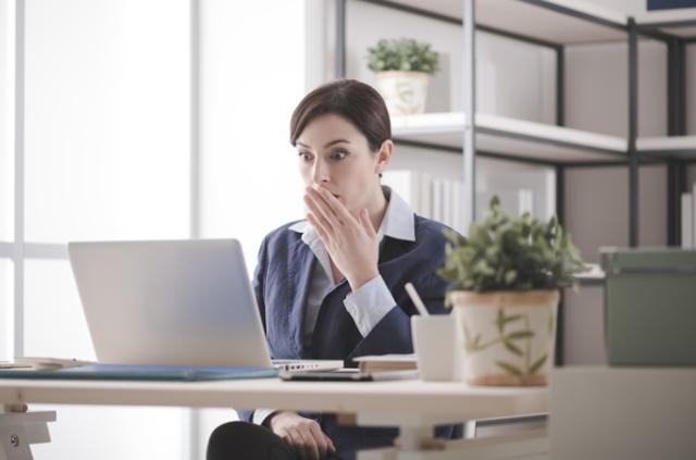 Запись в трудовой недействительна: как исправить, образец