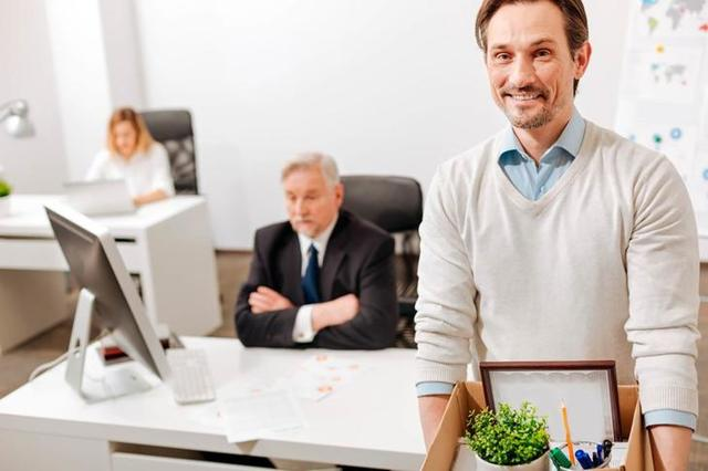 Работодатель не подписывает заявление на увольнение: что предпринять