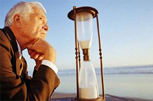 Увольнение пенсионера по инициативе работодателя: как уволить пенсионера