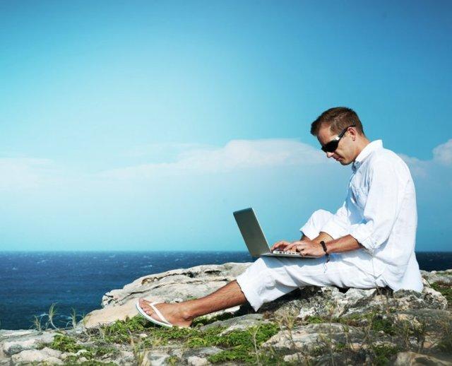 Увольнение во время отпуска по собственному желанию: особенности и порядок