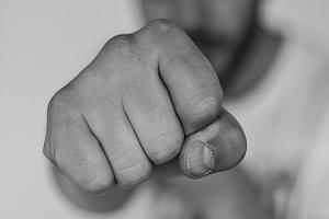 Отказ в обслуживании: что делать и куда обращаться
